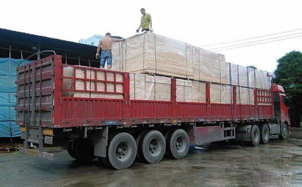 卡拉麦里金石材已装车发往济南